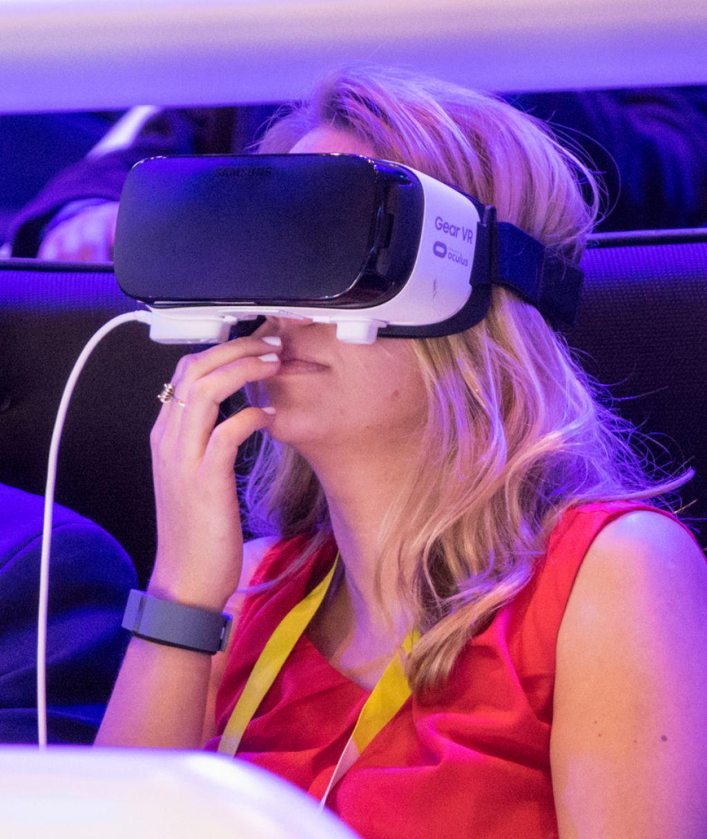 Samsung gear vr: Dober prvi vpogled v navidezni svet