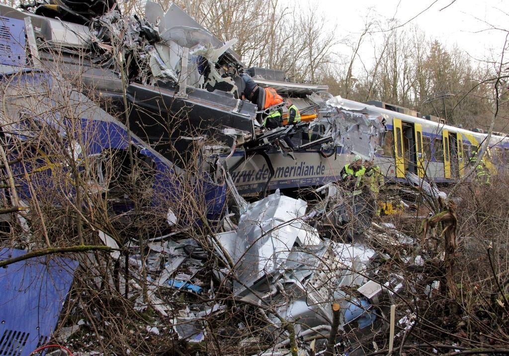 Nemški mediji: za trčenje vlakov kriva človeška napaka