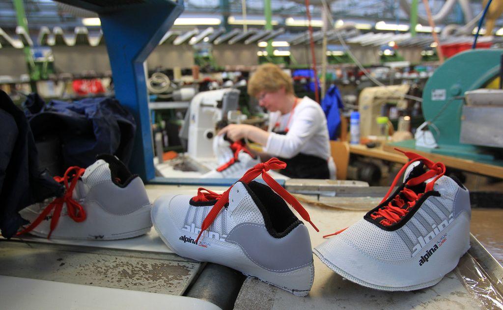 Slovenska obutvena industrija se krči, uspevajo pa nišni igralci