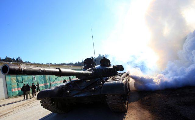 Slovenska vojska, tankisti Pivka 22.1.2016 [sv,tankisti,vojska]