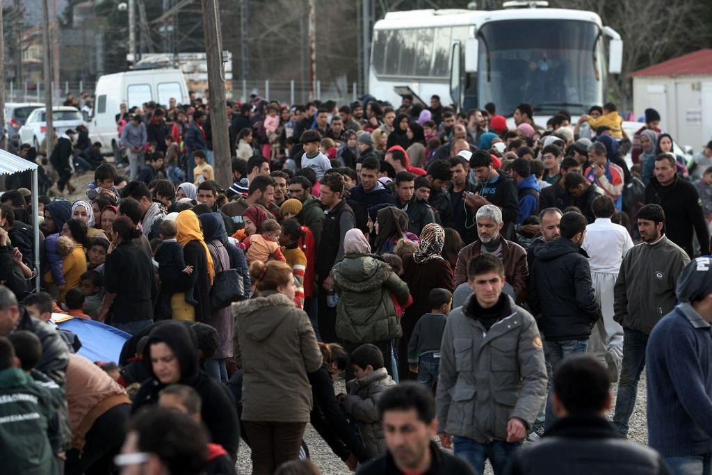 Po Grčiji tava 25.000 prebežnikov