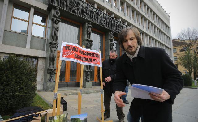 Protest pred DZ
