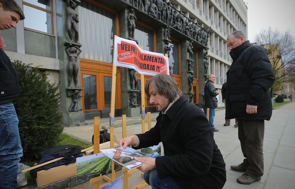 Zakon o varstvu okolja je spet odprl nekaj »front«