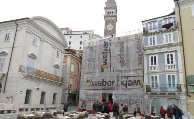 Benečanko obdelujejo strokovnjaki Restavratorskega centra