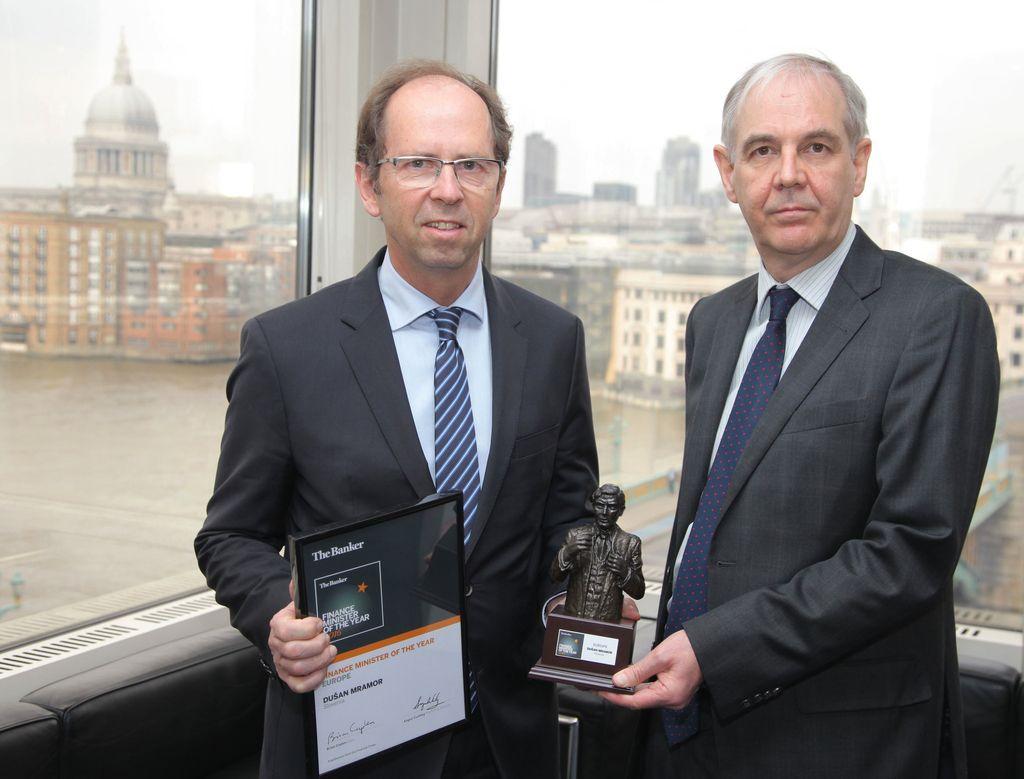 Mramor sprejel priznanje za evropskega finančnega ministra leta