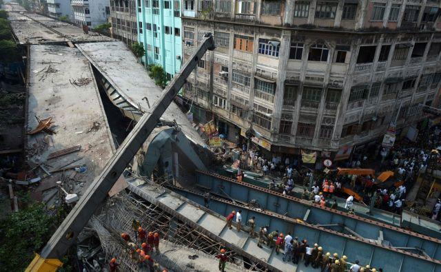 INDIA-ACCIDENT-TRANSPORT-BRIDGE