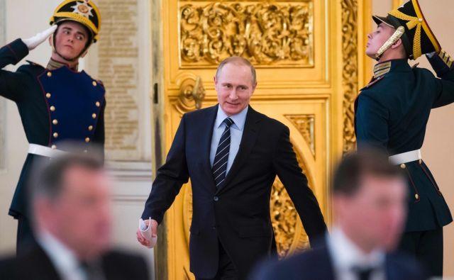 TOPSHOT-RUSSIA-PUTIN