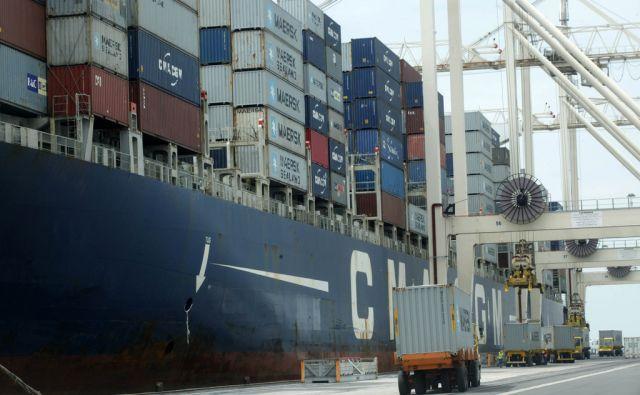 Pristanek do sedaj največje kontejnerske ladije Cendrillon v Koperskem pristanišču.  V Kopru 26.5.2014