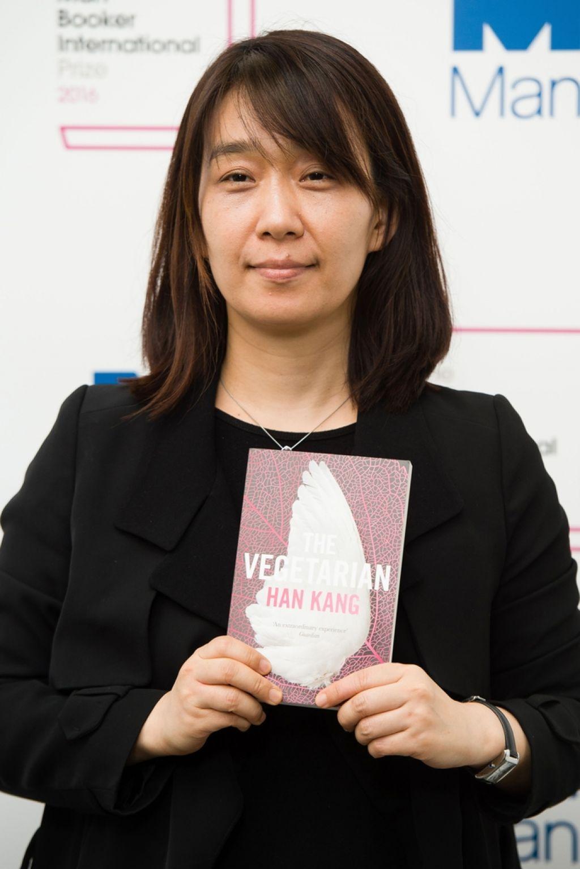 Mednarodni booker v Južno Korejo, k  pisateljici Han Kang