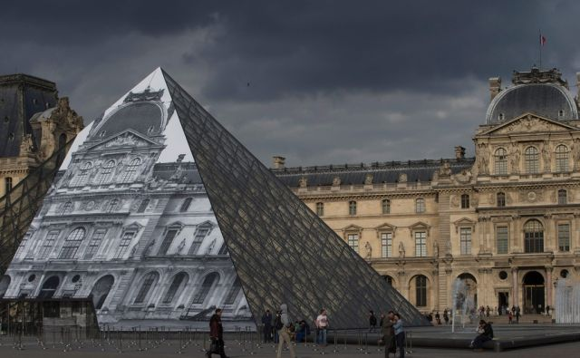 TOPSHOT-FRANCE-ART-MUSEUM-PHOTOGRAPHY-EXHIBITION