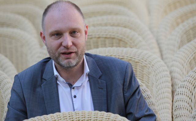 Mitja Čander, slovenski esejist, urednik, scenarist, dramaturg Ljubljana 17.5.2016 [Mitja Čander, slovenski esejist, urednik, scenarist, dramaturg]
