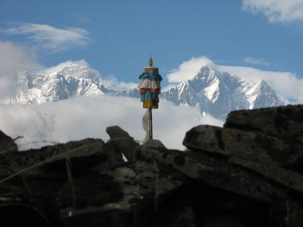 Prepovedano poljubljanje ali kaj se  je zgodilo z nepalskimi Brezjami?