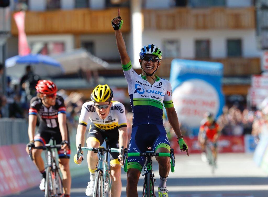 Giro: Rogličevo moštvo v rožnatem po koncu razburljive kraljevske etape