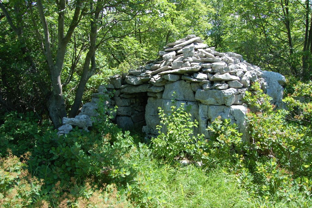 Suhozidna gradnja vpisana v register nesnovne kulturne dediščine