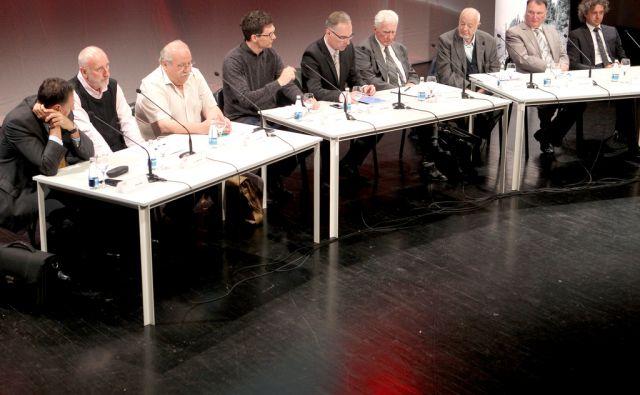 Prispevki k razpravi o energetskem konceptu Republike Slovenije,Ljubljana Slovenija 31.05.2016 [Energetika]