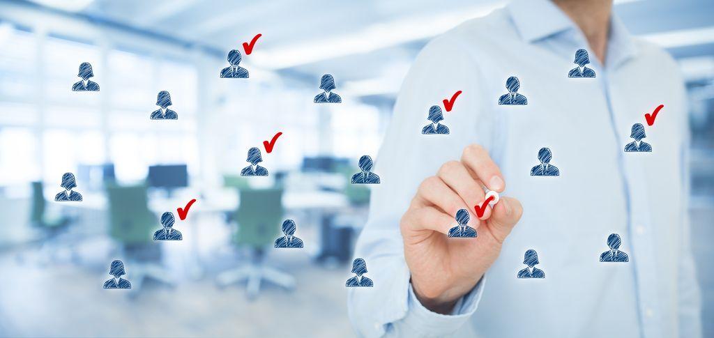 Top delodajalci: Pri največjih je pogodb o zaposlitvi manj