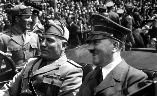 Fuhrer und Duce in Munchen.  Hitler and Mussolini in Munich, Germany, ca.  June 1940.  Eva Braun Collection.  (Foreign Records Seized) Exact Date Shot Unknown NARA FILE #:  242-EB-7-38 WAR & CONFLICT BOOK #:  746