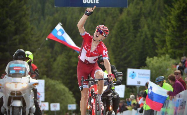 Estonec Rein Taaramae (Katjuša) je zmagovalec druge, kraljevske etape dirke Po Sloveniji. Drugi je Avstralec Jack Haig, tretji pa Kolumbijec Egan Arley Bernal Gomez. Golte, Slovenija 16.junija 2016. [Dirka po Sloveniji,Taaramae Rein,kolesarji,]