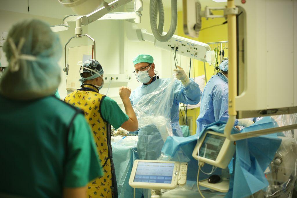 Program otroške srčne kirurgije zapuščata še zadnja kirurga