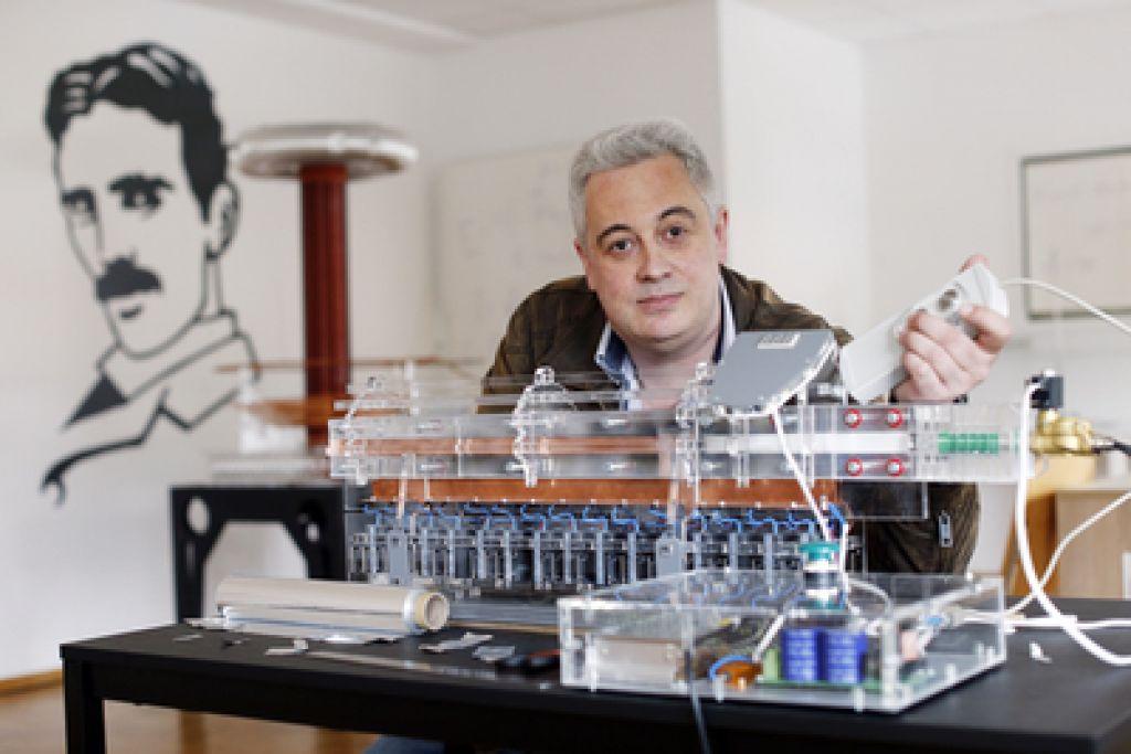 Ruski poslovnež pri nas odprl muzej fizike