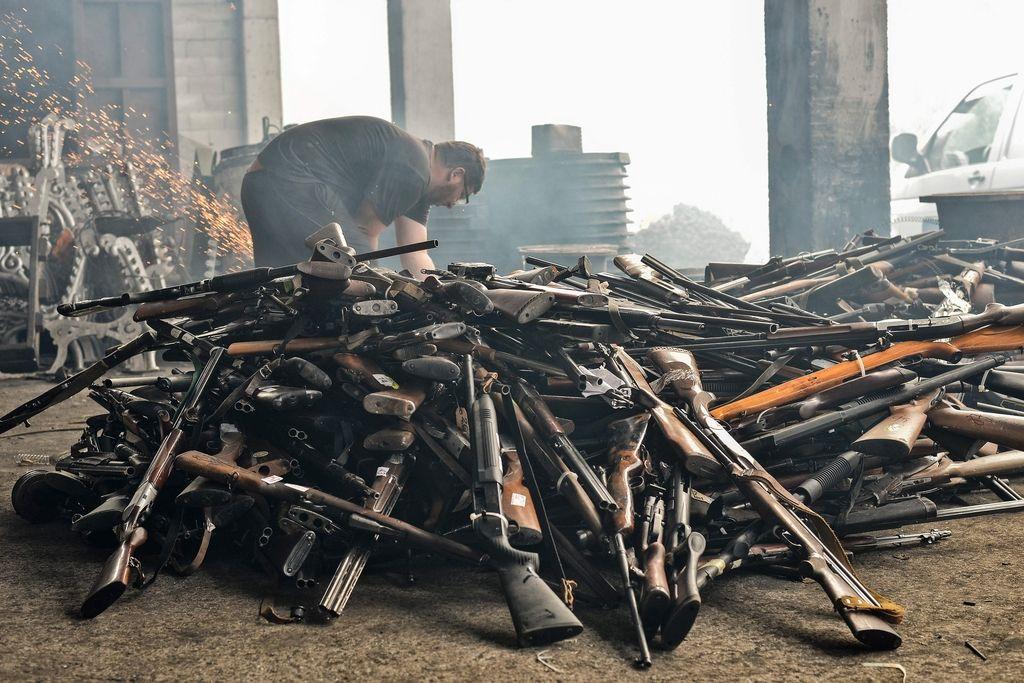 Med tihotapci orožja tudi Slovenec