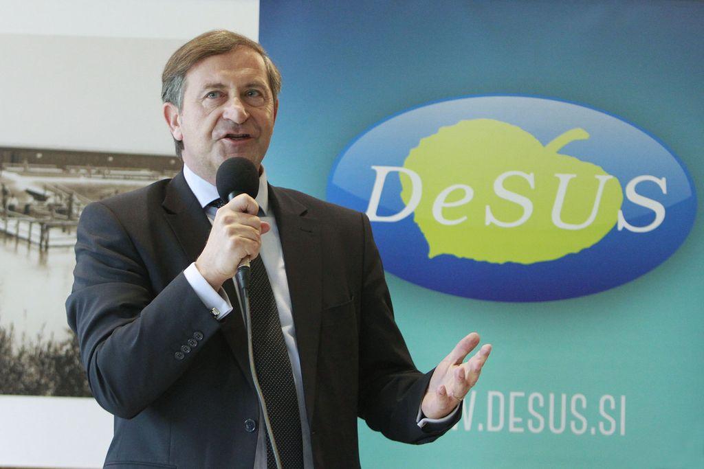 Desus bo s kongresom že na predvolilnih obratih