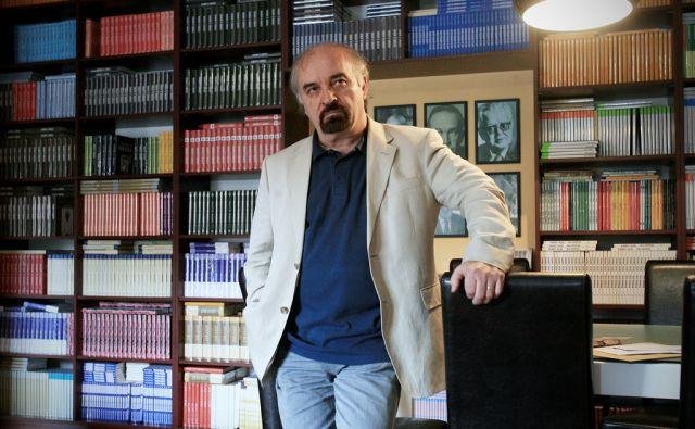 Slovenija, Ljubljana, 06.06.2011. Evald FLISAR, pisatelj in avtor romana Na zlati obali nominiranega za nagrado Kresnik. Foto: Uros HOCEVAR/Delo