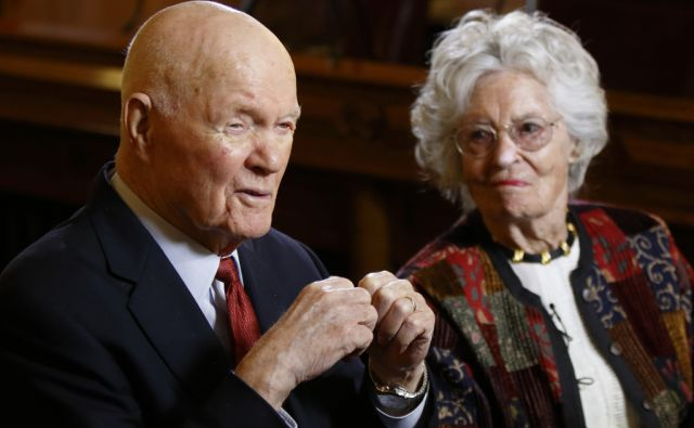 FILE – In this May 14, 2015, file photo, former astronaut and U.S. Sen. John Glenn, D-Ohio, left, answers questions with his wife Annie Glenn during an interview with The Associated Press at the Ohio Statehouse in Columbus, Ohio. Glenn, the first
