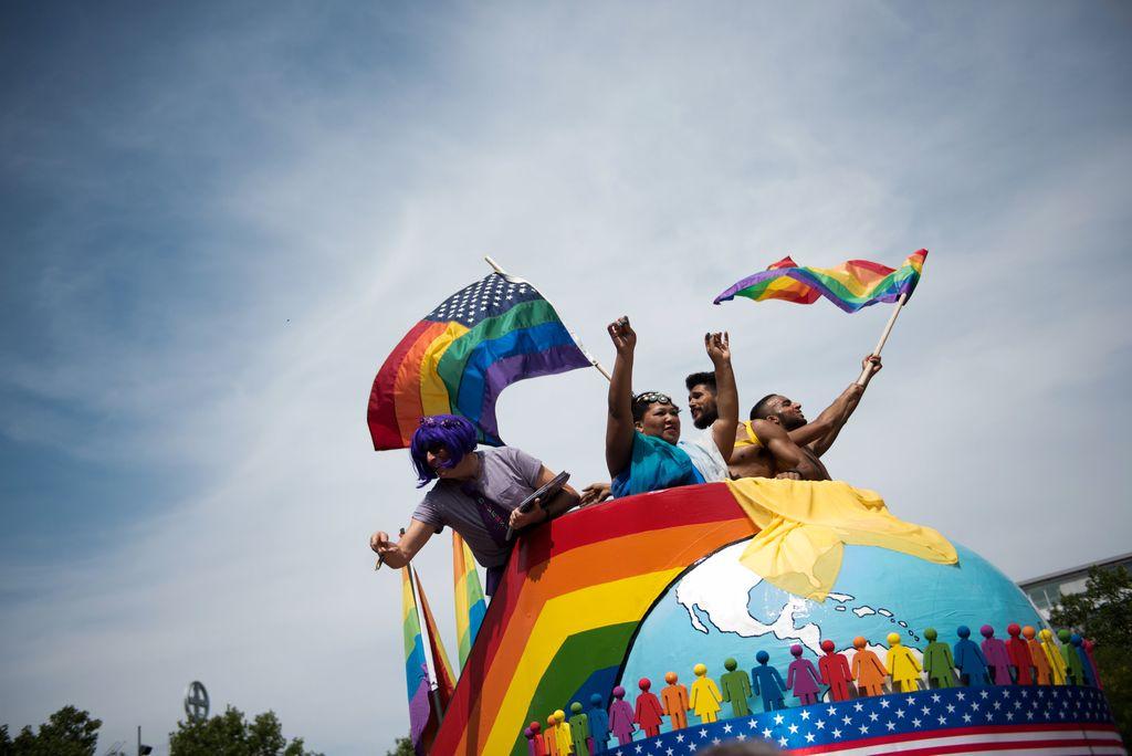 Nove razprave o istospolnih porokah