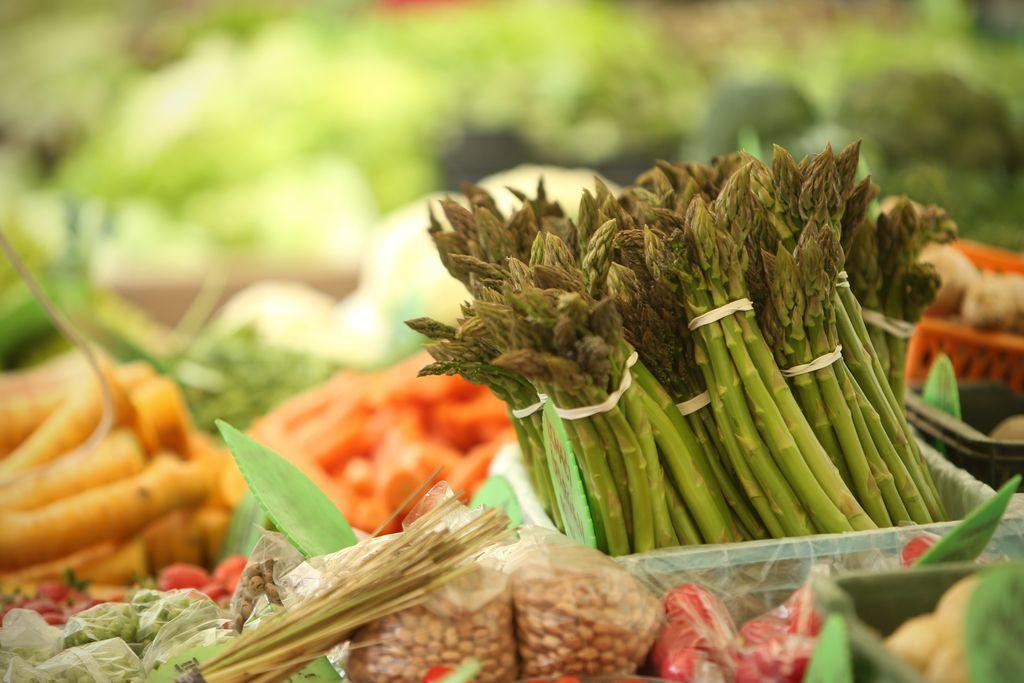 Revoltirana anketa: Neodločeni glede kakovosti hrane