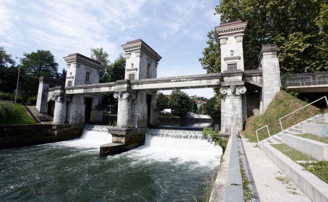 Plečnikove Ljubjanske zapornice. V Ljubljani 25.7.2017[zapornice.Ljubljanica.infrastruktura]