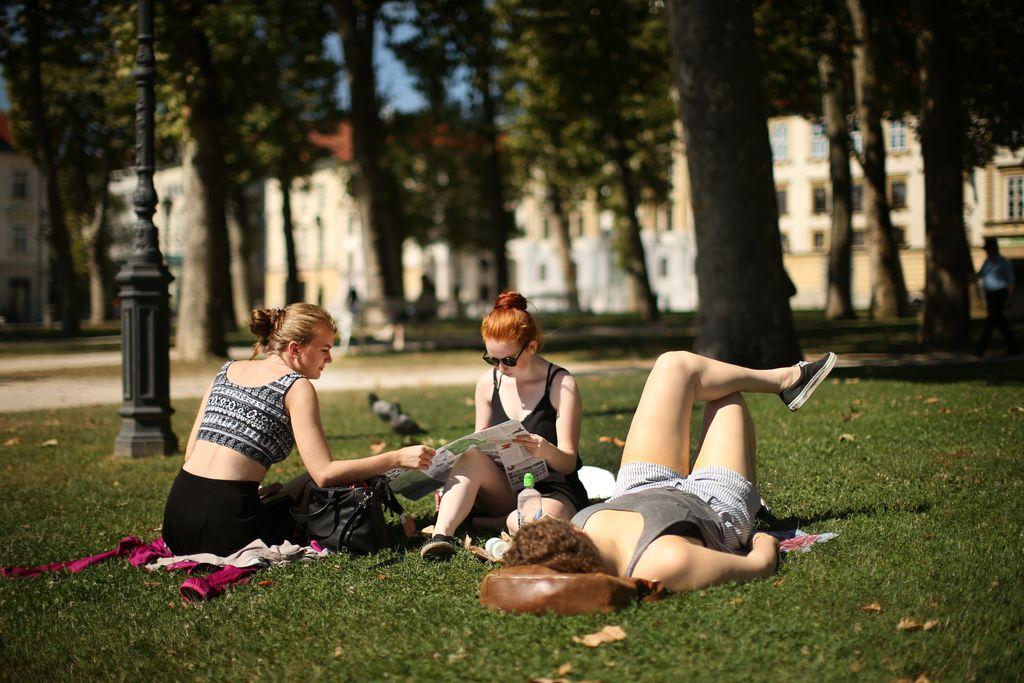 Mestni parki: Ko je smisel življenja ležanje v travi
