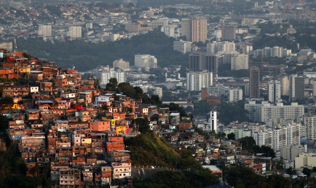 V Riu napadajo tudi novinarje