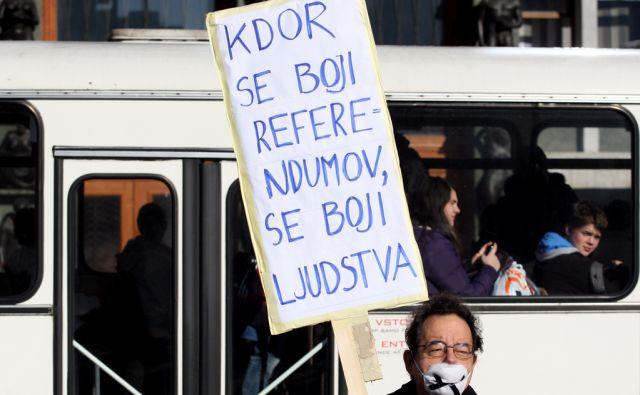 SLOVENIJA LJUBLJANA  31.01.2013 NEMI PROTEST PRED PARLAMENTOM FOTO:ROMAN SIPIC/DELO