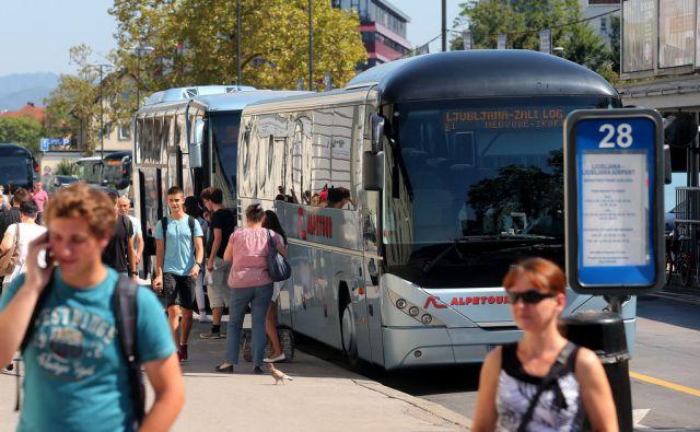 Avtobusi na avtobusni postaji Ljubljana 1.septembra 2016 [Ljubljana,avtobusne postaje,avtobusi,postaje,promet]