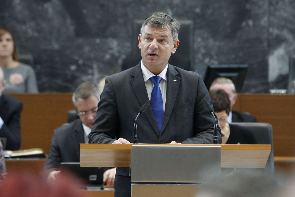 Gašperšič ostaja minister