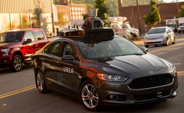 US-UBER-EXPERIMENTS-WITH-DRIVERLESS-CARS
