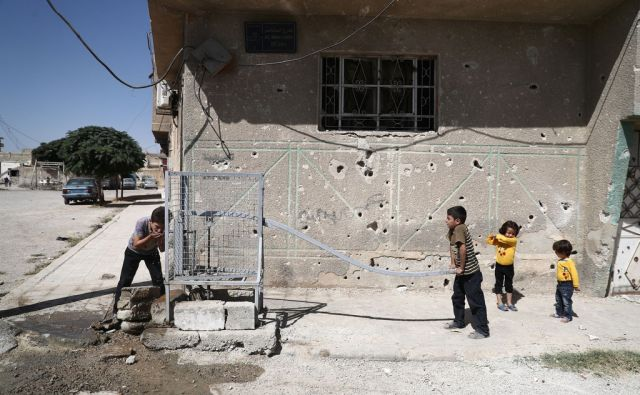 TOPSHOT-SYRIA-CONFLICT-DAILY LIFE