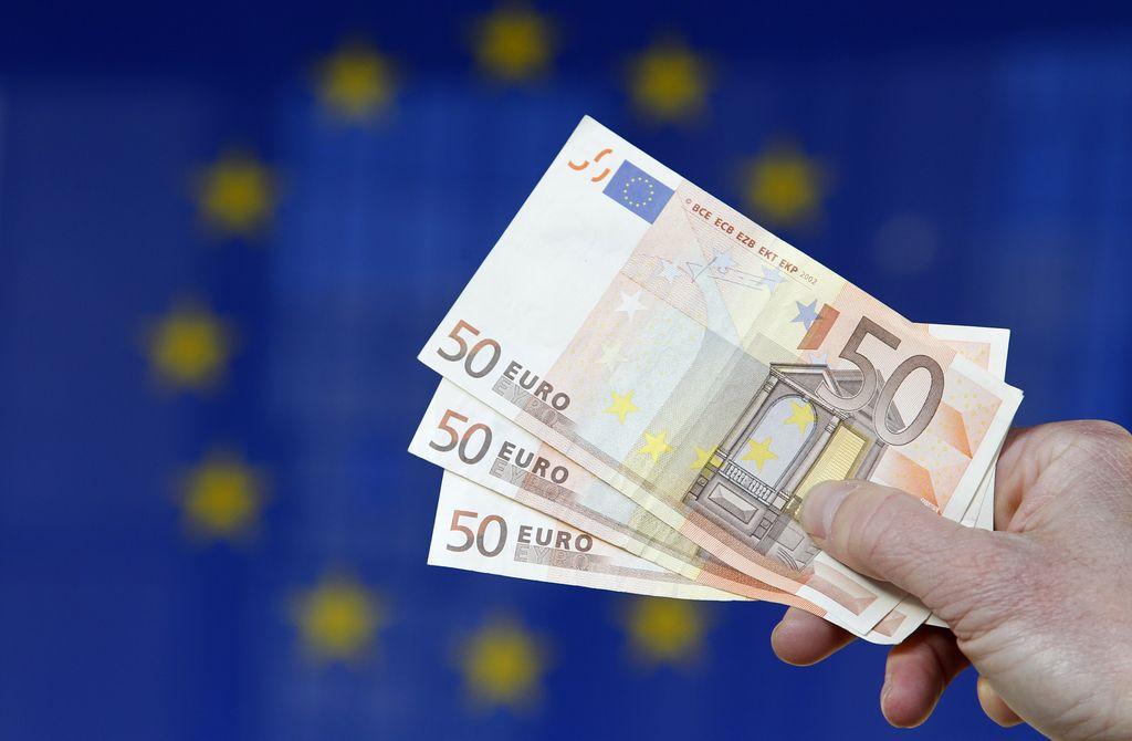ECB ohranja denarno politiko