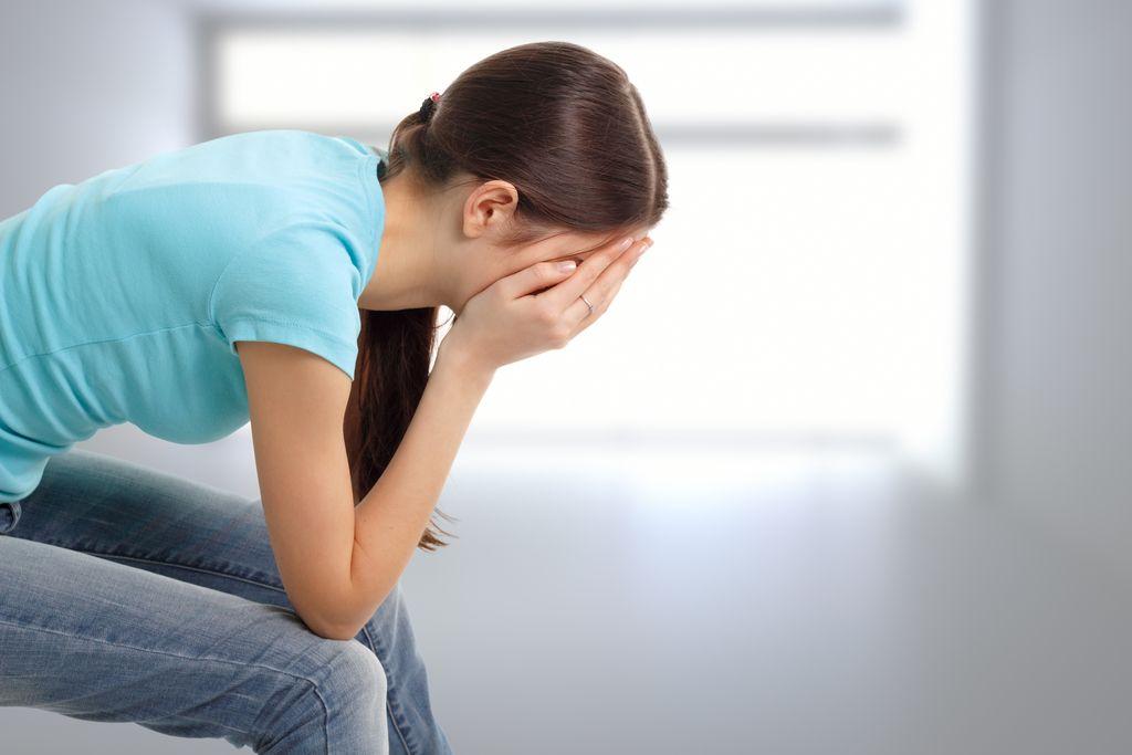 Odnosi: Neznosno trpim, ker ga ne morem pozabiti