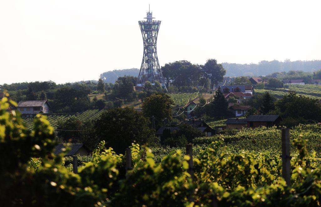 Slovenija na poti k trem milijardam turističnih evrov