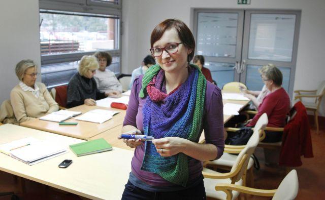 Maja Štefančič Hribar poučuje upokojence nemški jezik v Ljubljani, 11. oktober 2016 [Maja Štefančič Hribar,Ljubljana,portreti]