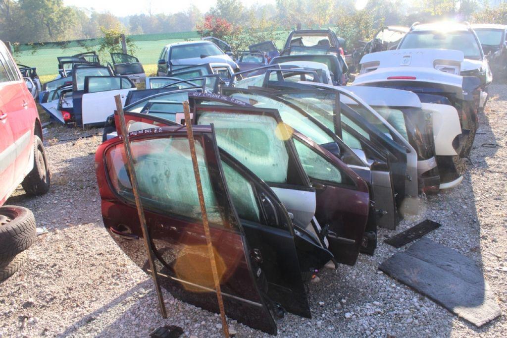 Tatova avtomobilov v priporu