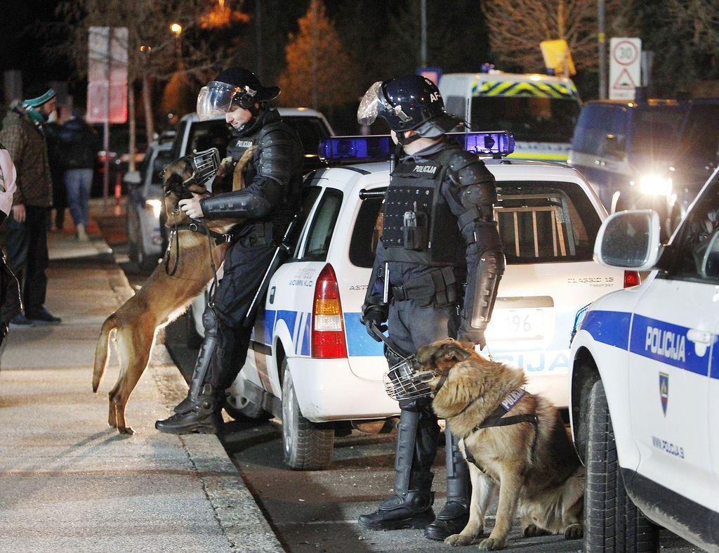 Nasprotniki večjih policijskih pooblastil še vedno kritični