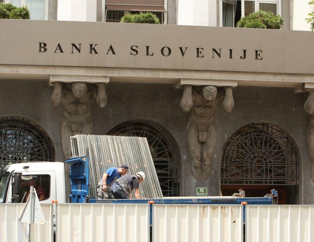 Mali delničarji s tožbami proti Banki Slovenije in poslovnim bankam