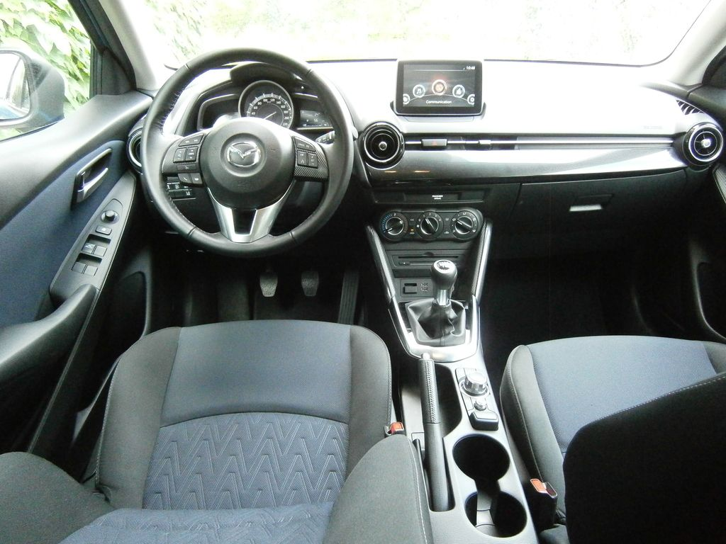 Preizkusili smo: Mazda2 G75 attraction