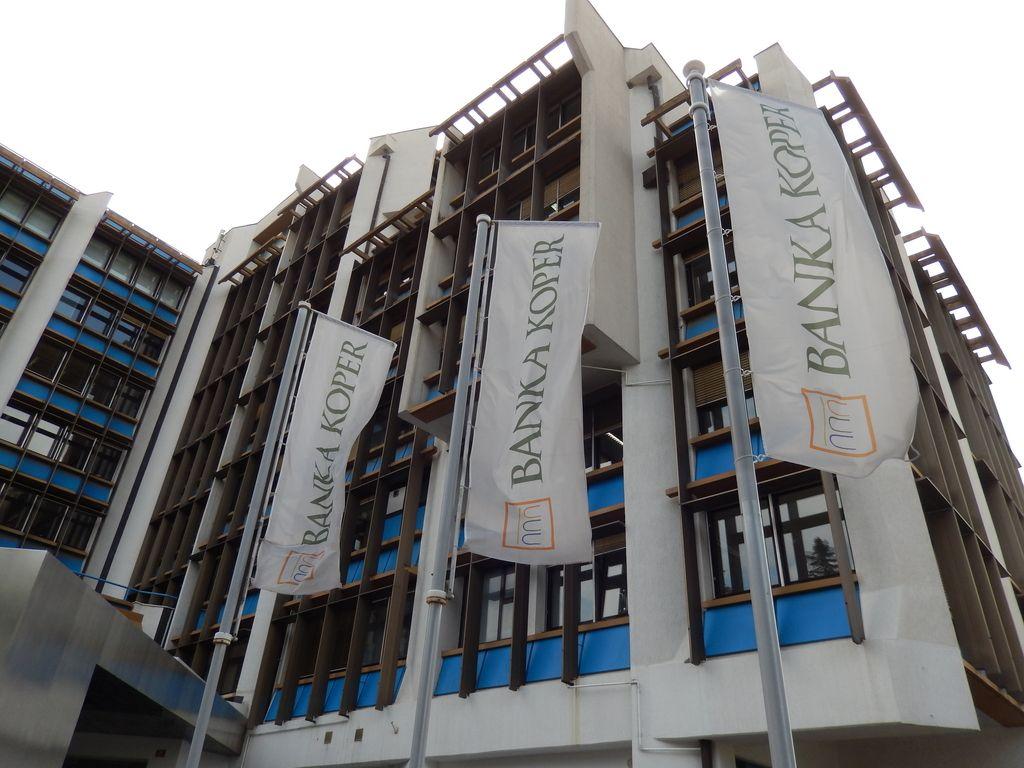Banka Koper spreminja ime v Intesa Sanpaolo Bank