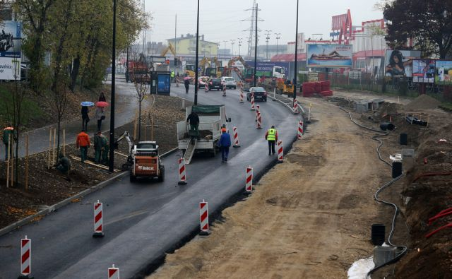 Prenova Kajuhove ceste v Ljubljani 02.novembra 2016 [Kajuhova cesta,Ljubljana,prenove]