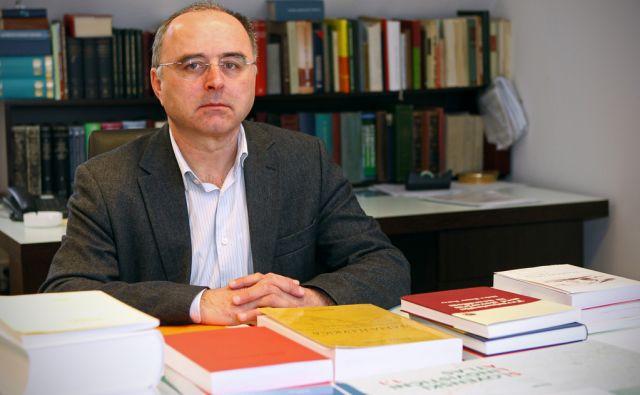 Marko Snoj v pisarni SAZU v Ljubljani, 18. marca 2013