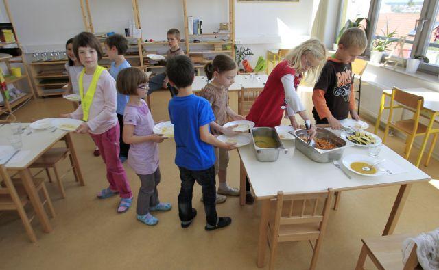 Slovenija, Preska, 14.06.2012 - Osnovna ssola Montessori v Preski pri Medvodah. Foto: Leon VIDIC/DELO